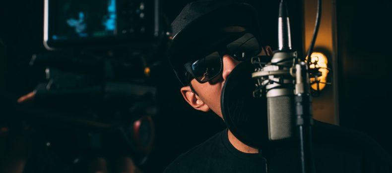#TallerDePodcast : ¿Respirar por la nariz o por la boca? Aprende a usar correctamente el aire para hablar en la radio